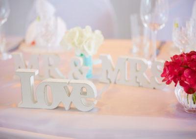 Liebe ist... dekorativ · blumig · süß